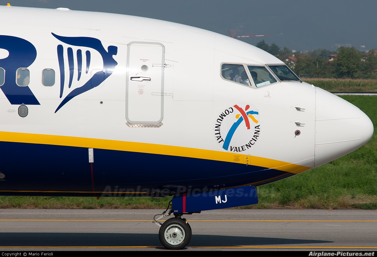 Ryanair EI-EMJ aircraft at Bergamo - Orio al Serio