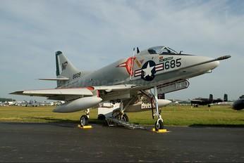 N49WH - Private Douglas A-4 Skyhawk (all models)