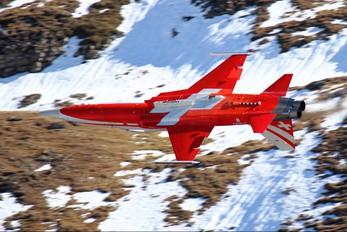 J-3083 - Switzerland - Air Force:  Patrouille de Suisse Northrop F-5E Tiger II