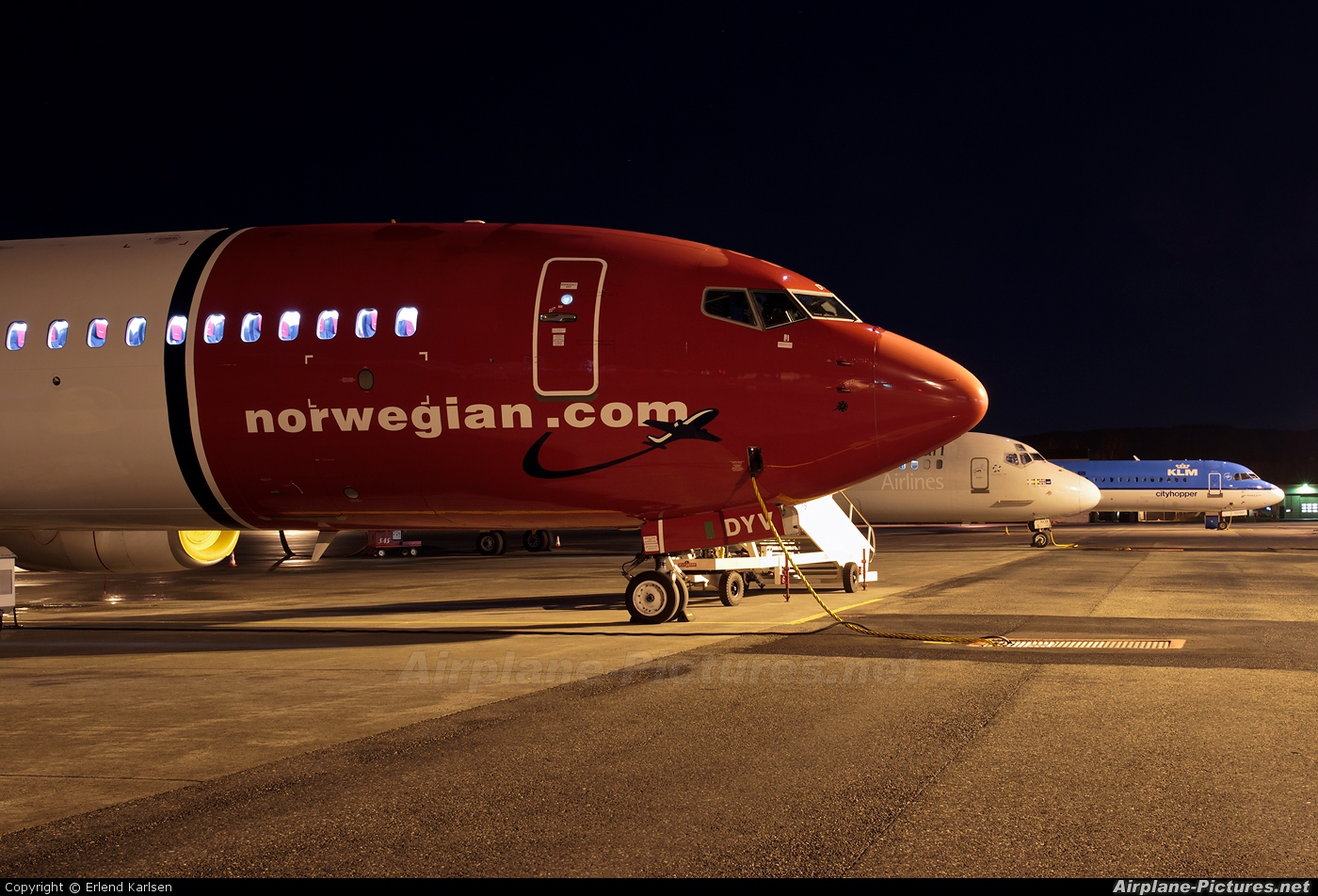 - Airport Overview - aircraft at Trondheim - Vaernes