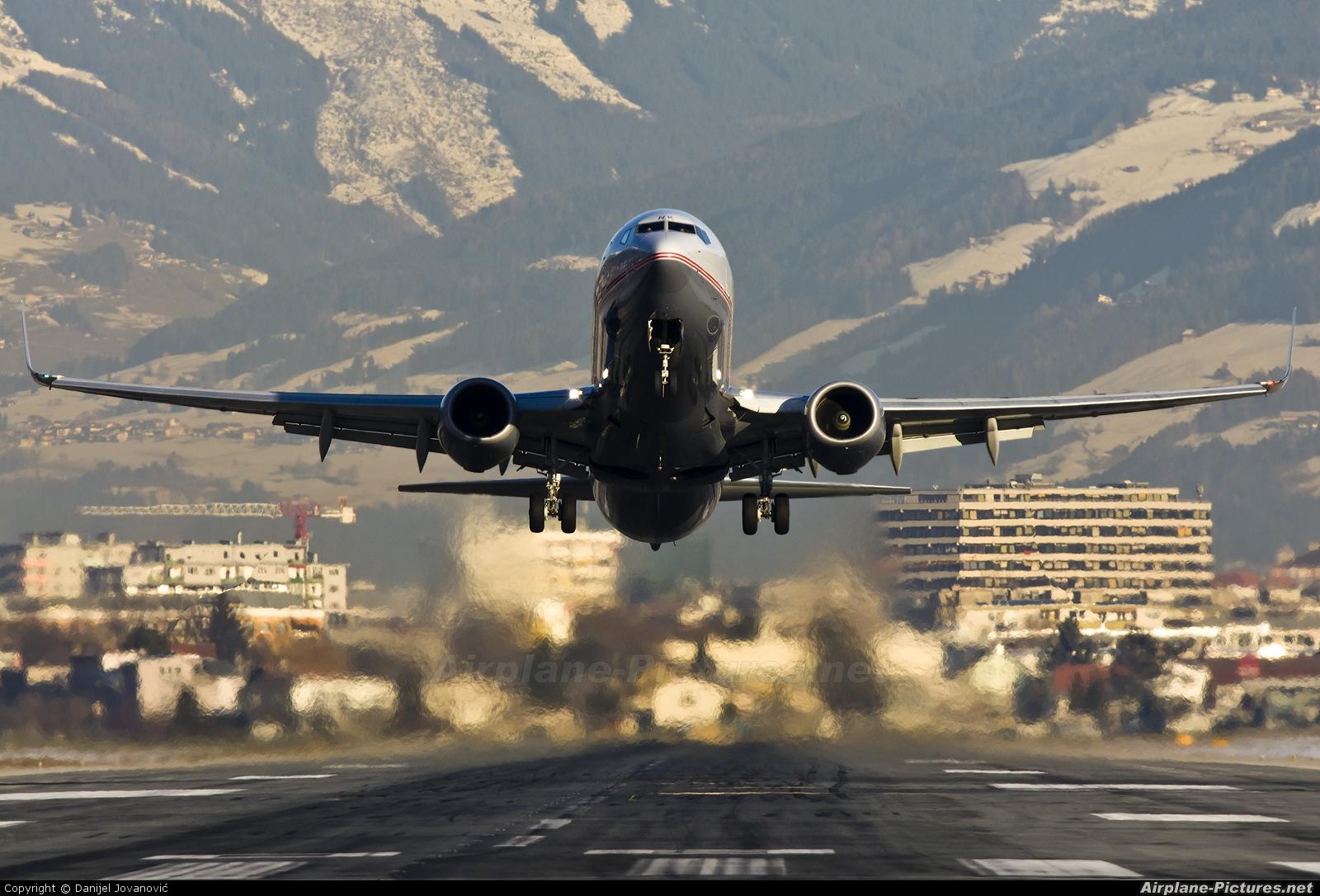 Lauda Air OE-LNK aircraft at Innsbruck