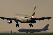 Emirates Airlines A6-EAM image