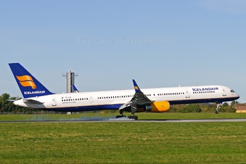 TF-FIX - Icelandair Boeing 757-300