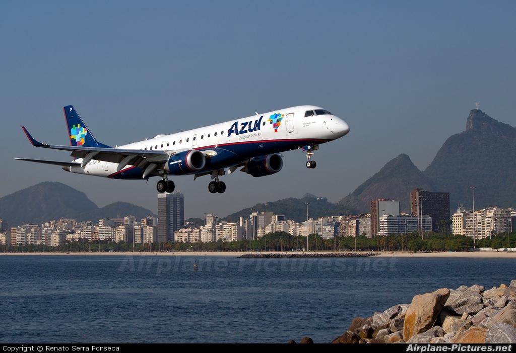 Azul Linhas Aéreas PR-AZF aircraft at Rio de Janeiro - Santos Dumont