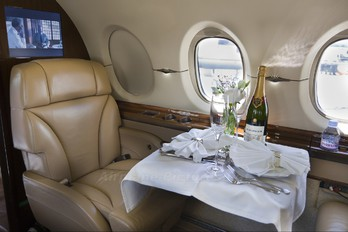 - - Private Hawker Beechcraft 4000 Horizon