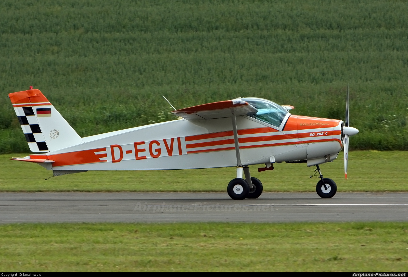 Private D-EGVI aircraft at Meschede-Schüren