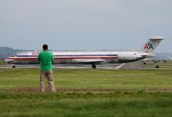N7543A - American Airlines McDonnell Douglas MD-82