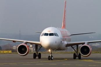 G-EZDE - easyJet Airbus A319