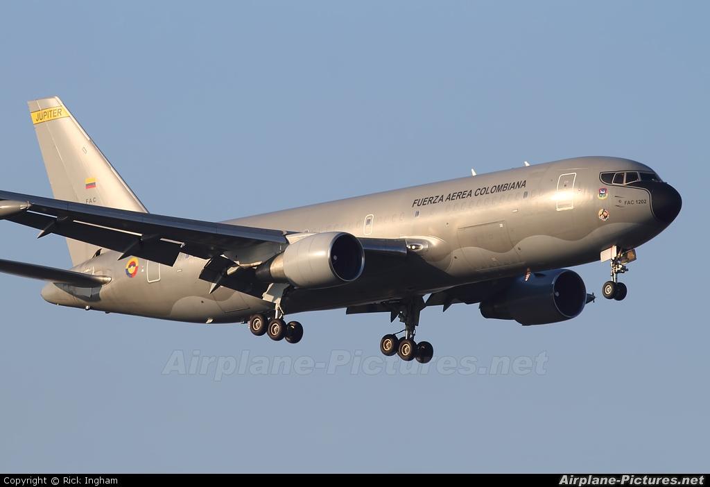 Colombia - Air Force FAC1202 aircraft at London - Heathrow