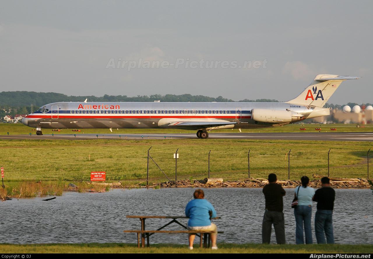 American Airlines N9414W aircraft at Washington - Ronald Reagan National