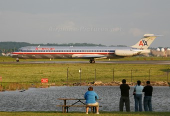 N9414W - American Airlines McDonnell Douglas MD-82
