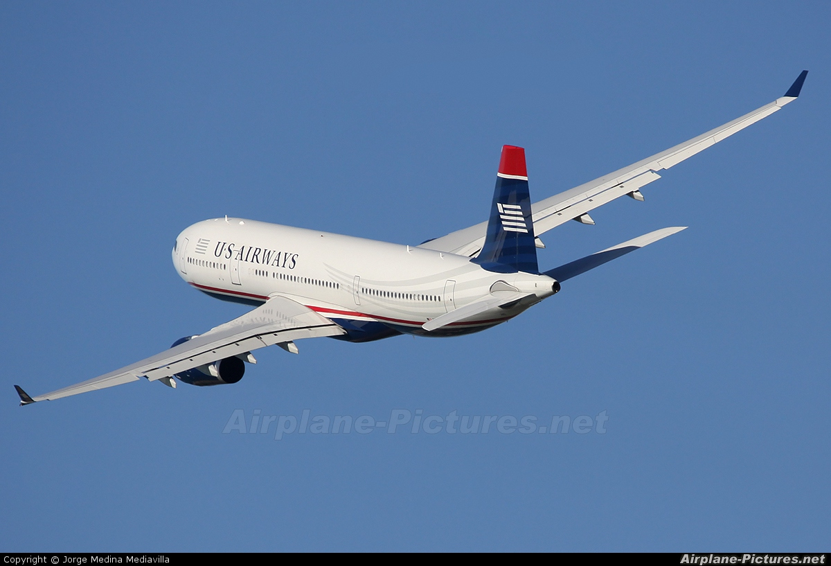 US Airways N285AY aircraft at Barcelona - El Prat