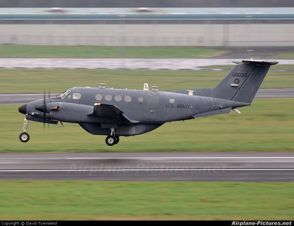 USA - Army 95-0090 aircraft at Prestwick