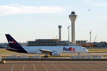 N914FD - FedEx Federal Express Boeing 757-200