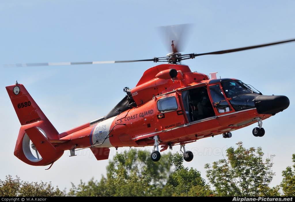 USA - Coast Guard 6580 aircraft at Greenwood Lake