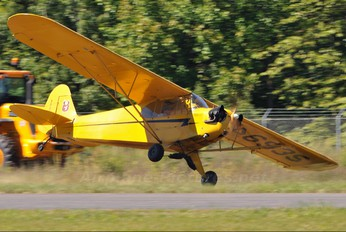 N4693S - Private Piper J3 Cub