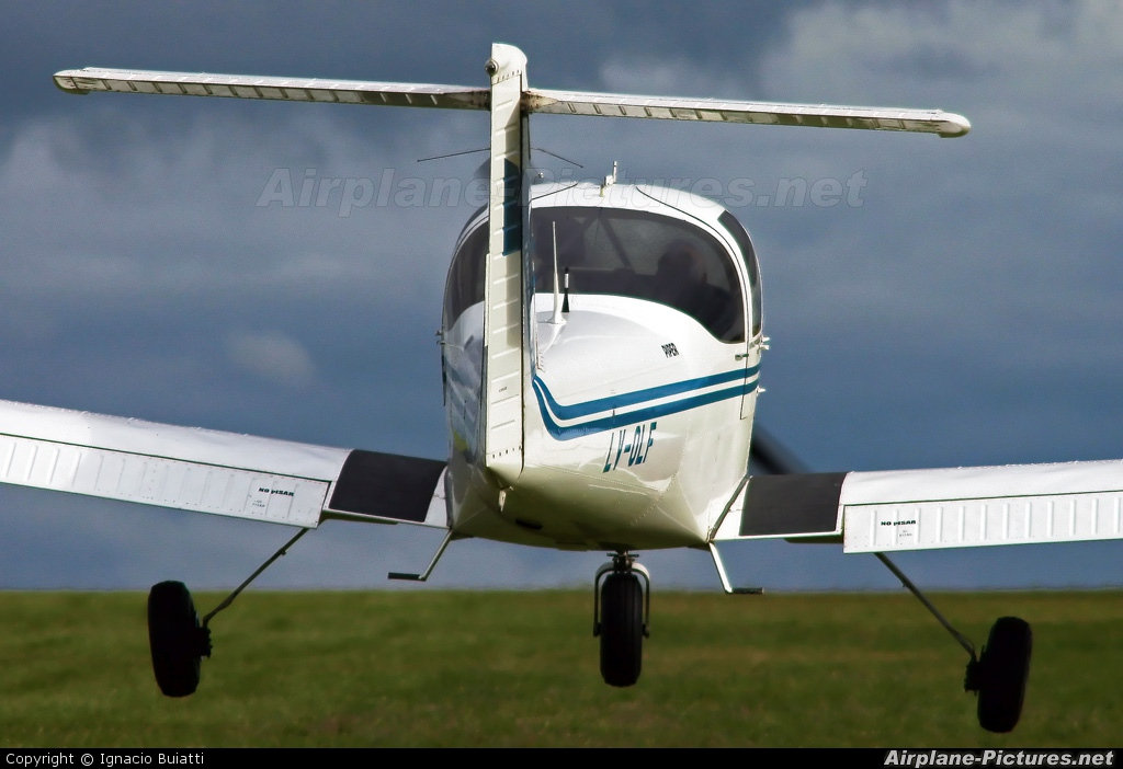 Private LV-OLF aircraft at Paraná Aeroclub