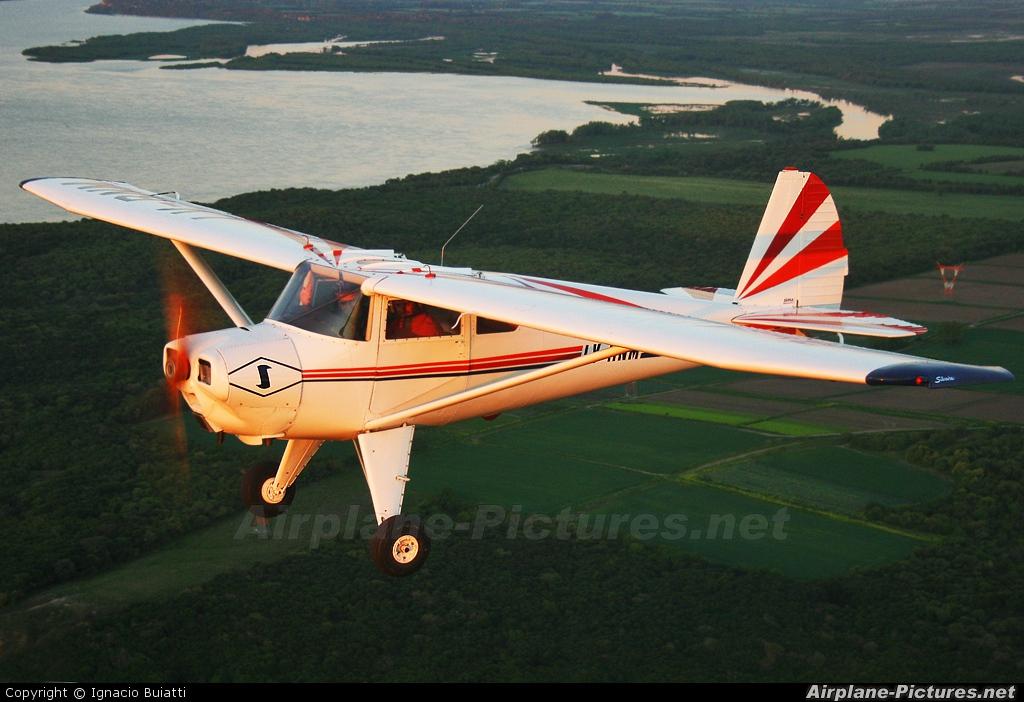 Private LV-RNM aircraft at Paraná Aeroclub
