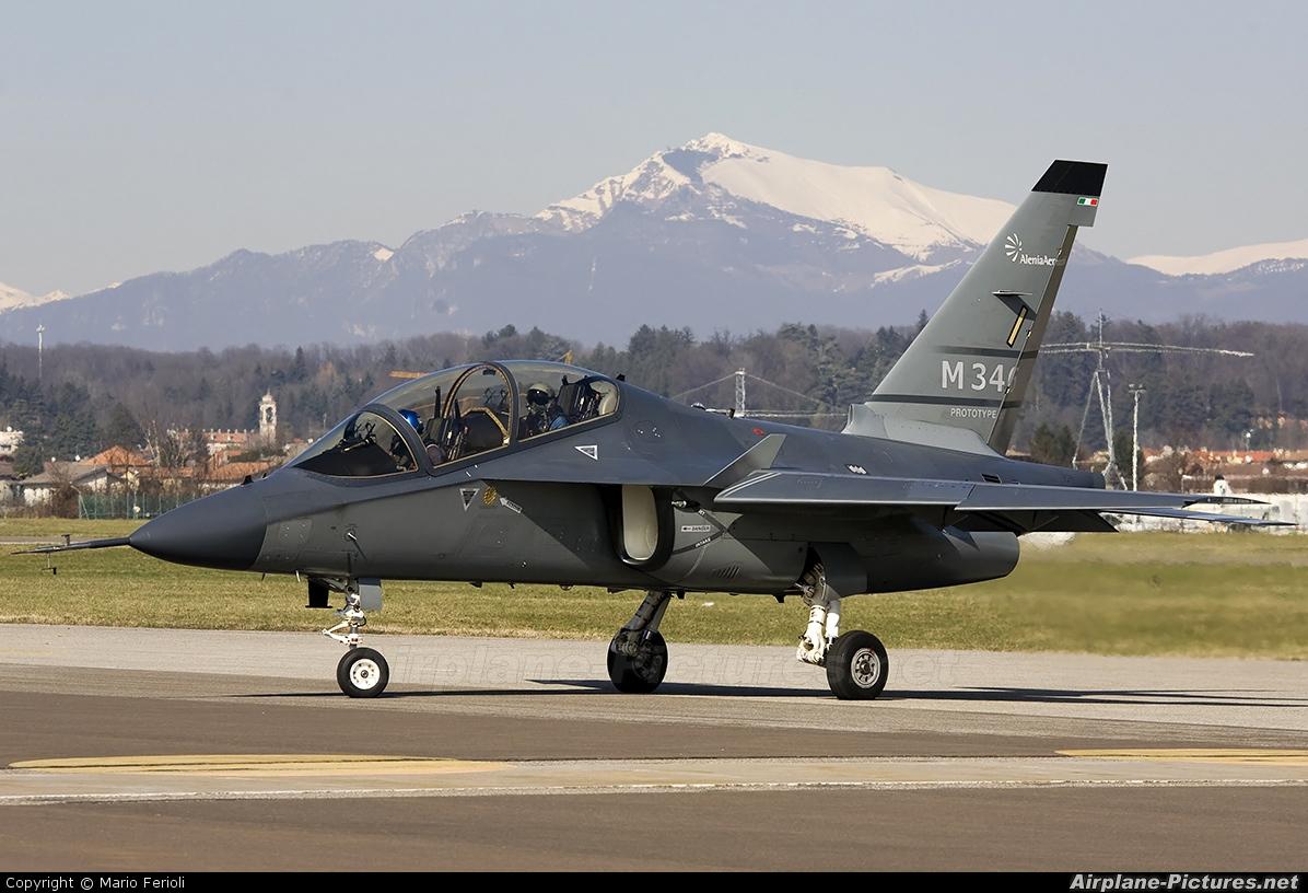 Alenia Aermacchi - M-346 Master Advanced Trainer/Light Attack ...