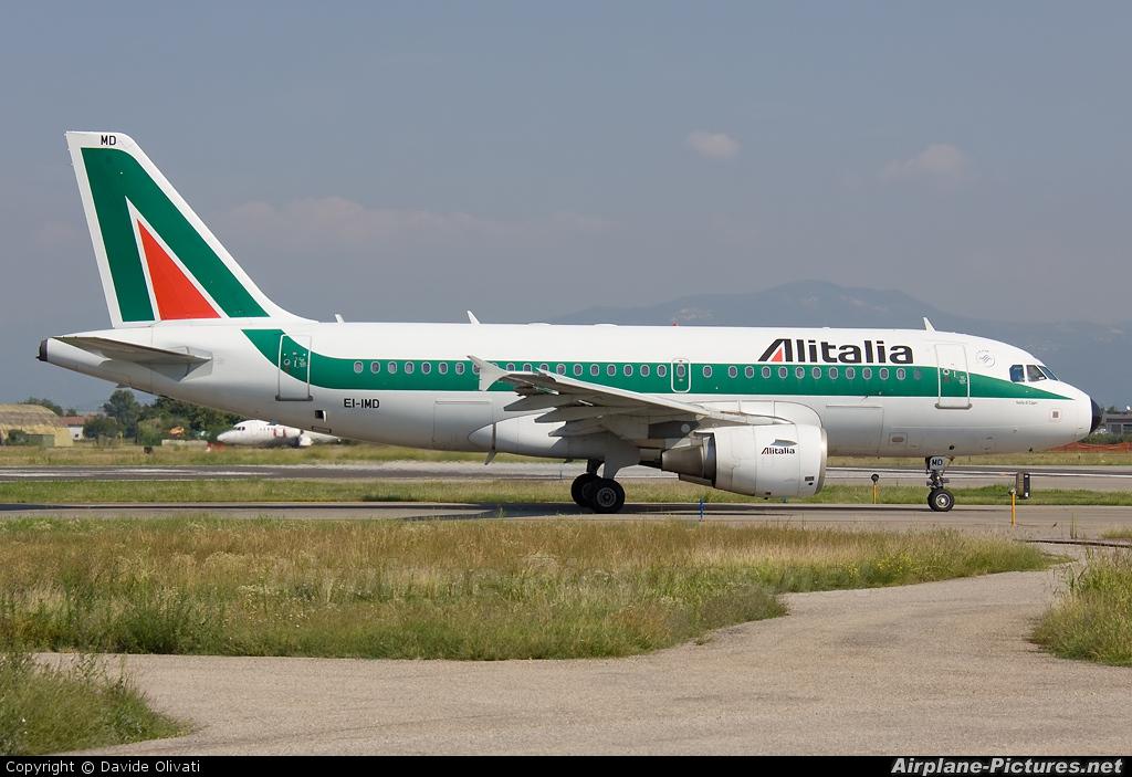Alitalia EI-IMD aircraft at Verona - Villafranca
