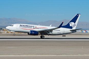 N126AM - Aeromexico Boeing 737-700