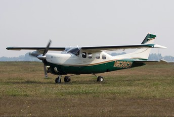 N526CH - Private Cessna 210N Silver Eagle