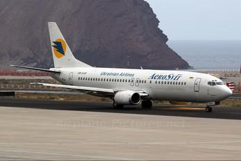UR-VVP - Aerosvit - Ukrainian Airlines Boeing 737-400