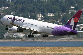 N582HA - Hawaiian Airlines Boeing 767-300ER
