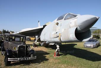 4 - France - Navy Vought F-8C Crusader