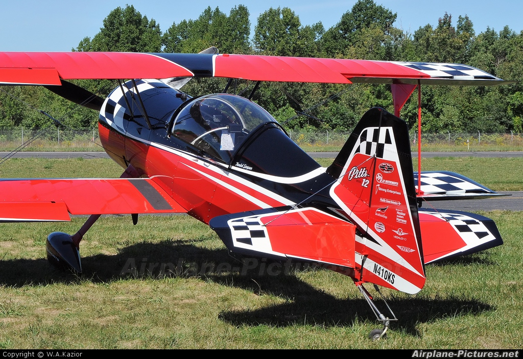 Private N410KS aircraft at Greenwood Lake