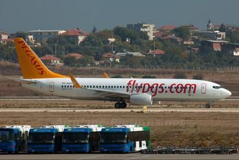 TC-AAT - Pegasus Boeing 737-800