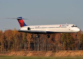 N920DE - Delta Air Lines McDonnell Douglas MD-88