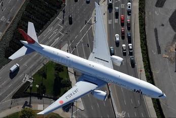 JA740J - JAL - Japan Airlines Boeing 777-300ER