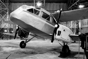 VH-SNB - Private de Havilland DH. 84 Dragon