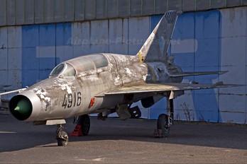 4916 - Czechoslovak - Air Force Mikoyan-Gurevich MiG-21US