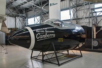 VX185 - Royal Air Force English Electric Canberra B.1(8)