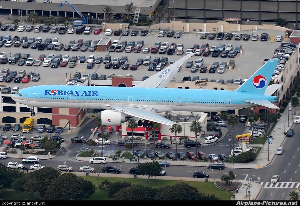 Korean Air HL8216 aircraft at Los Angeles Intl