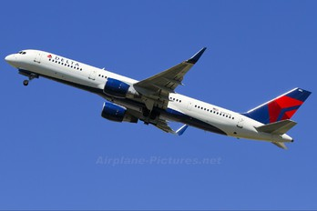 N703TW - Delta Air Lines Boeing 757-200