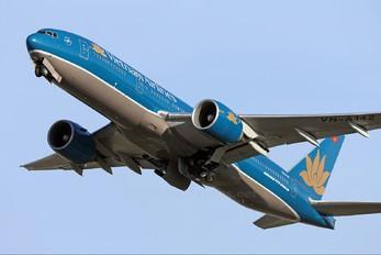 VN-A142 - Vietnam Airlines Boeing 777-200ER