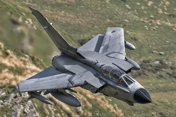 ZA559 - Royal Air Force Panavia Tornado GR.4 / 4A