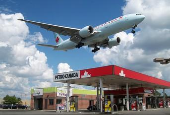 C-FIUA - Air Canada Boeing 777-200LR