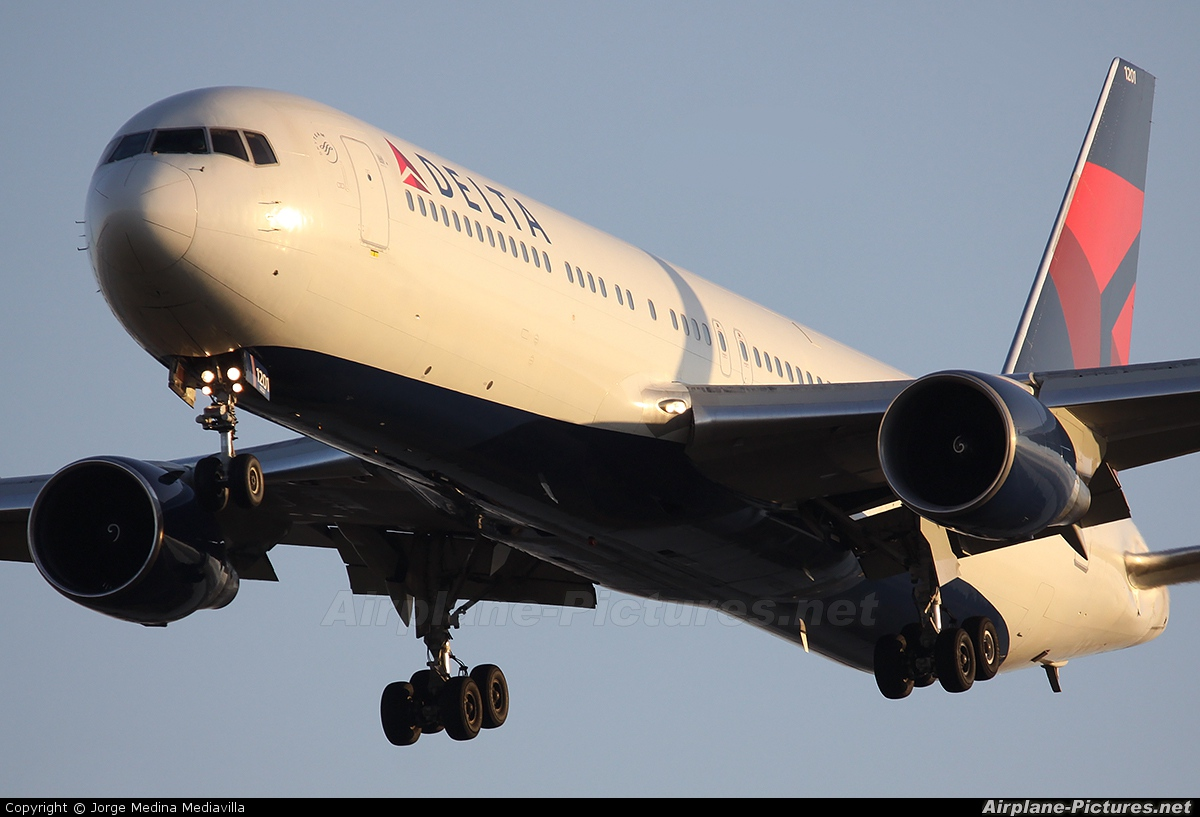 Delta Air Lines N1201P aircraft at Barcelona - El Prat
