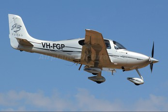 VH-FGP - Private Cirrus SR22