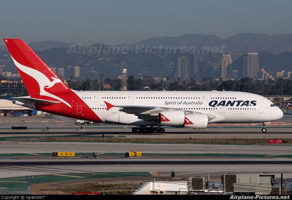 QANTAS VH-OQL aircraft at Los Angeles Intl