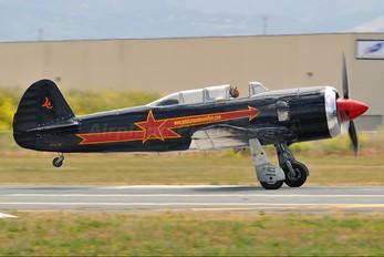 N2124X - Private Yakovlev Yak-11