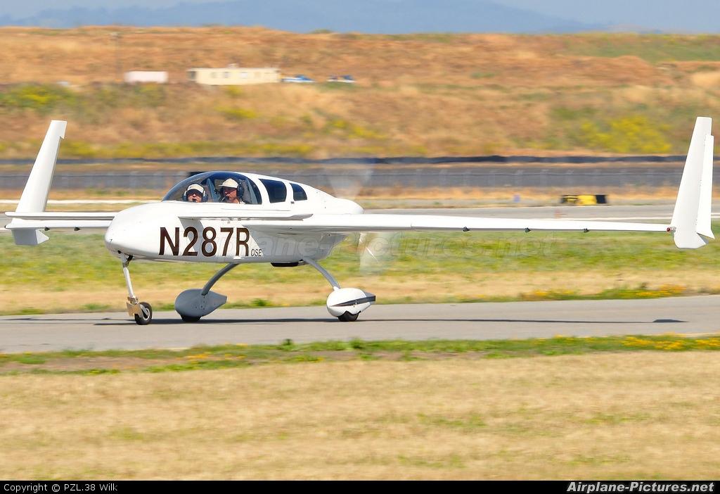 Private N287R aircraft at Hollister Municipal