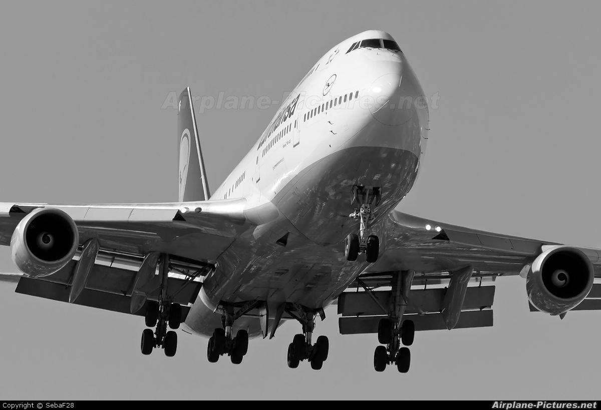 Boeing 747  Wikipedia