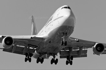 D-ABVF - Lufthansa Boeing 747-400