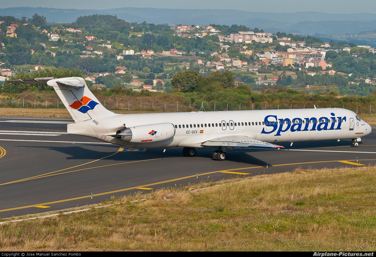 Spanair EC-GCV aircraft at La Coruña