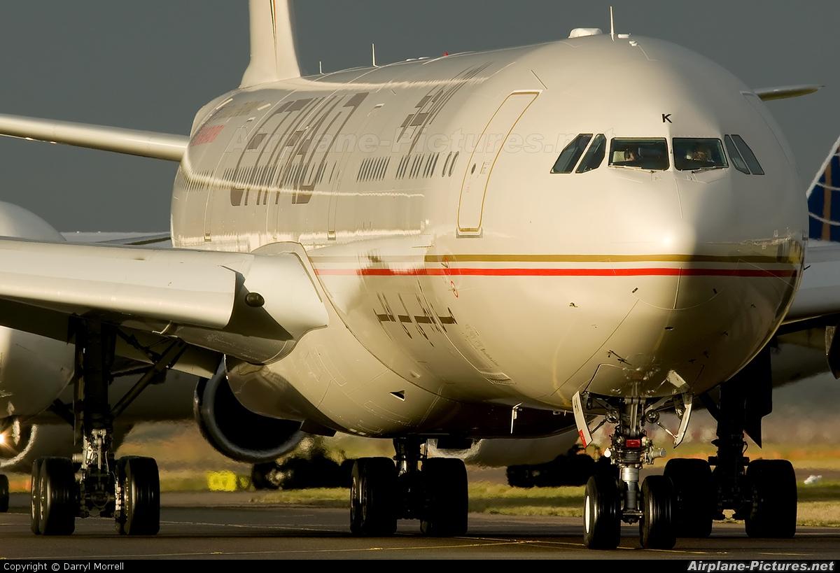 Etihad Airways A6-EHK aircraft at London - Heathrow